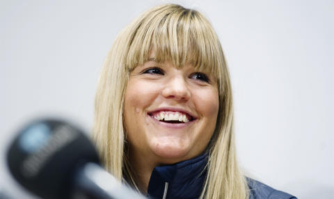 Anna Holmlund flyttad till rehabiliteringsklinik på Danderyds sjukhus