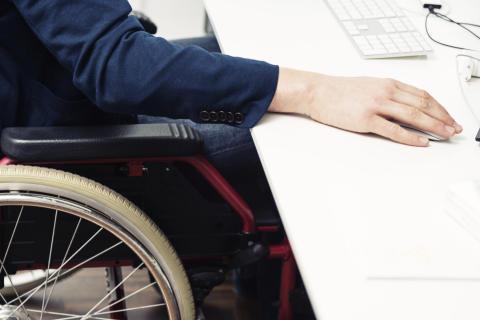 Undersøgelse: Jobsøgende i kørestol bliver valgt fra
