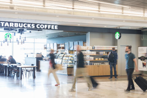 SkyBridge med Starbucks, Stockholm Arlanda Airport