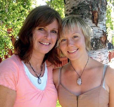 Eva & Enya Twinflame