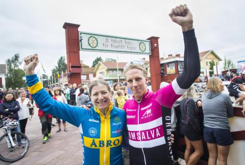 Jennie Stenerhag and Jonas Ahlstrand won Cykelvasan 2017