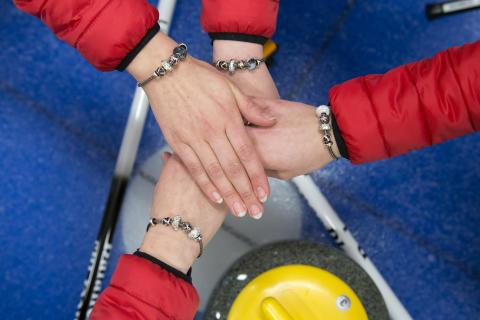 Trollbeads pryder curling kvinderne