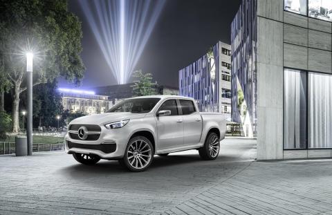 Første fremvisning af Mercedes-Benz Pickup