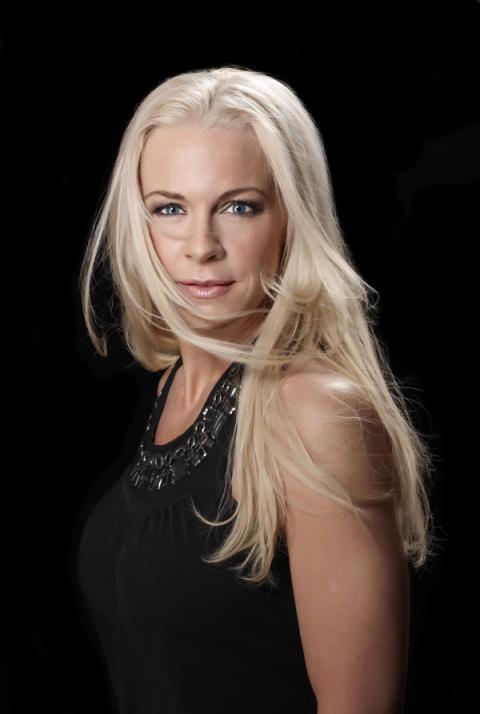 Malena Ernman tar operan ut på isen