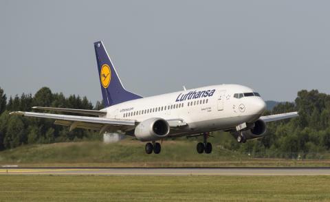 Lufthansa - landing