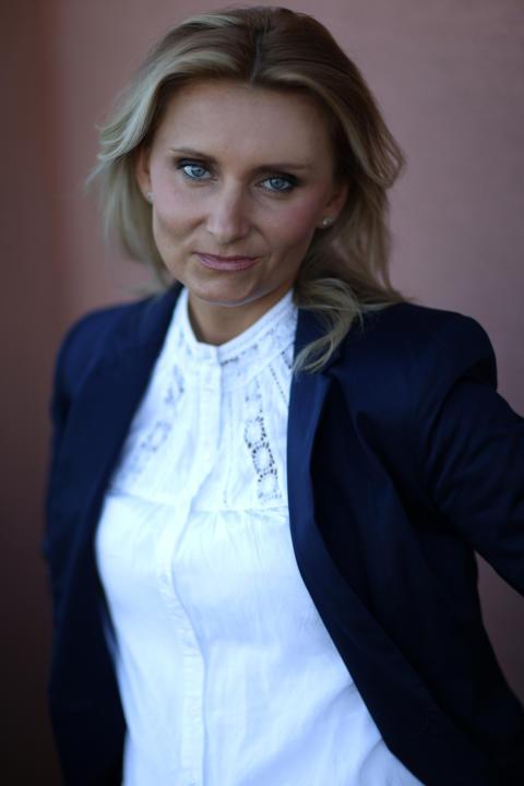 """Karolina Palutko Macéus, författare till boken """"Det är jag som äger Carnegie""""."""