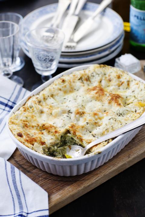 Vegetarisk lasagne med svamp, pesto och rostad mandel