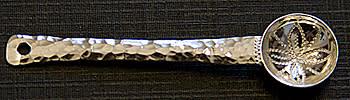 Fuglesang återlämnar silversked som varit med på rymdfärd