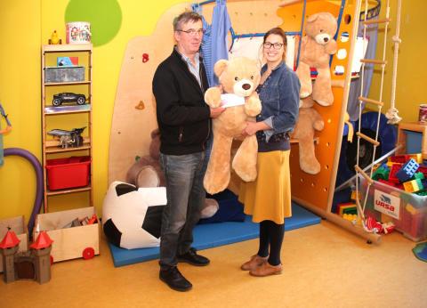 WeGo Systembaustoffe GmbH unterstützt Bärenherz: Tombolaerlös fürs Kinderhospiz