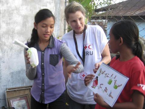 Möt rödakorsdelegaterna från Filippinerna