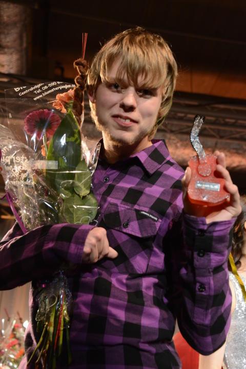 Axel Linderholm från Lidingö på andra plats i Väsby melodifestival 2013