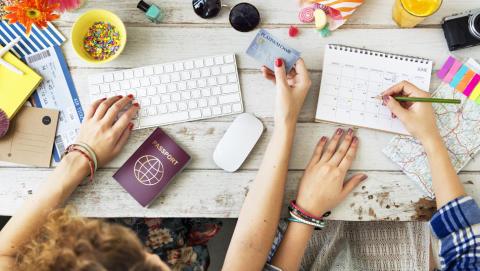 Slik booker du reisen på nettet