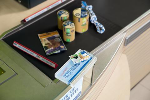 Bequemer einkaufen: kontaktloses Bezahlen ab sofort in allen deutschen Fressnapf-Märkten möglich
