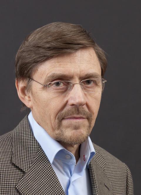 Max Engman, författare till Språkfrågan, del 3 av Finlands svenska historia