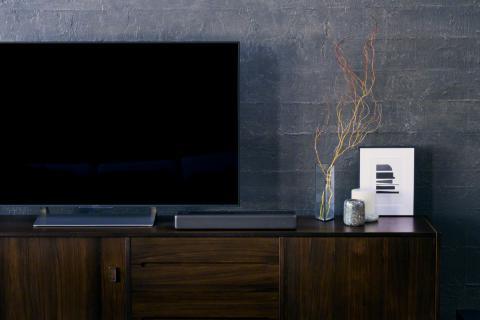 A Sony apresenta a Barra de Som Compacta que combina elegantemente com a sua sala de estar