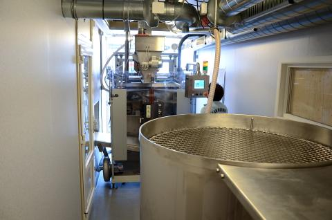 Mobilt mælkepulverpakkeri til Afrika