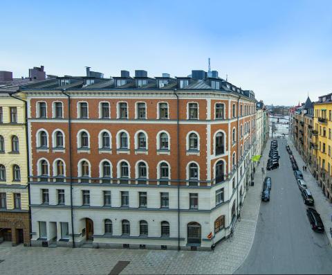 Många och innovativa köpare vid försäljning på Östermalm