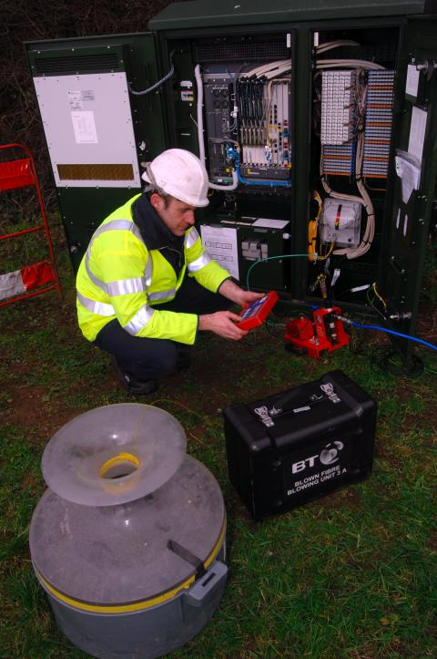 Thousands more Warwickshire households and businesses to get fibre broadband thanks to £2 million expansion