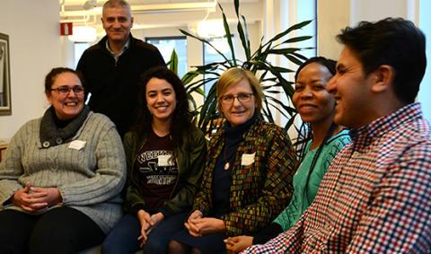 Kurs förbereder migranter för läkarjobb i Sverige