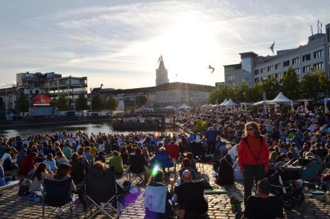 Sommertheater Liveübertragung 2017 - der Ponton am Bootshafen