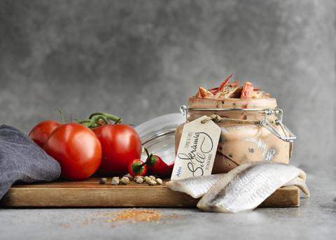 Abba sill krämig med röd tomat och chilli