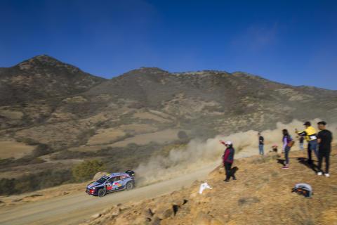 Hyundai Motorsport på pallen i Rally México