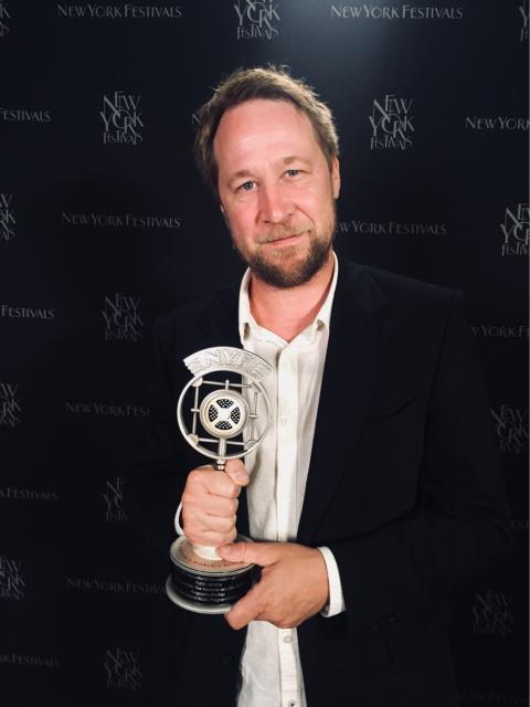 Två UR-dokumentärer har vunnit pris på New York Festivals International Radio Awards