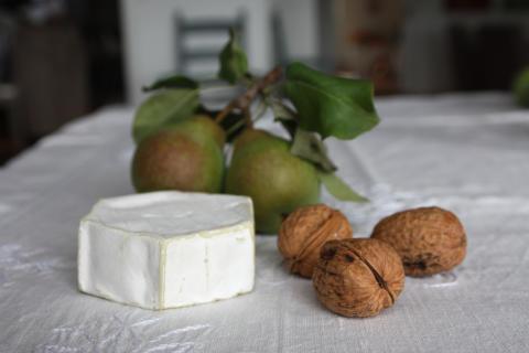 Utvalda små digestive valnötter päron