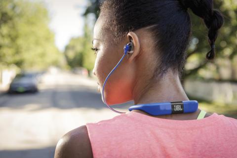 JBL utökar utbudet av sporthörlurar med JBL Reflect Fit och UA Sport Wireless Train