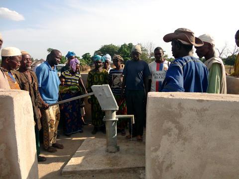 Brunnen i Diaféréla i södra Mali invigs