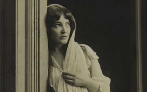 Hinsides feminisme - historia om Cally Monrad