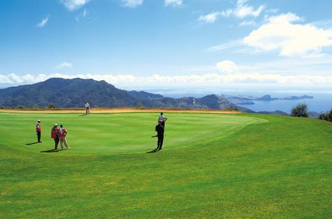 Solresor erbjuder ny golfkombination