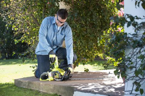 Starta ditt bensindrivna trädgårdsverktyg med ett knapptryck!
