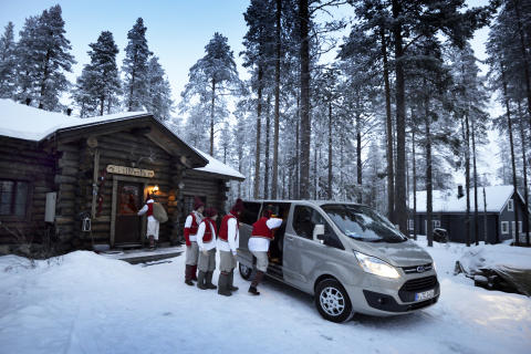 Ford Tourneo Custom ja FC Santa Claus