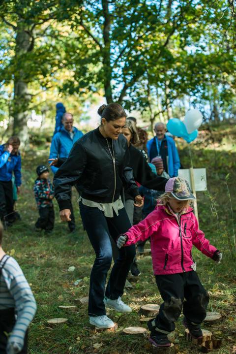Kronprinsessan Victoria sprang Skogsmulles hinderbana i Hagaparken när Friluftsfrämjandet firade 125 år, den 4 oktober.