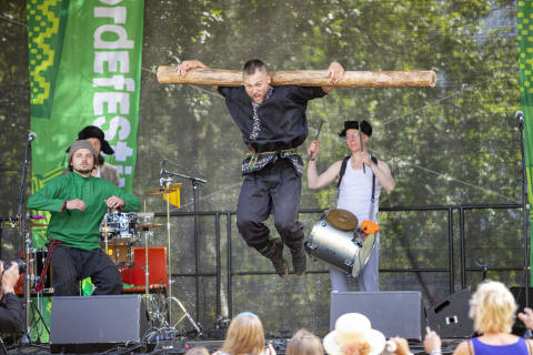 Otava Yo - med tidvis spektakulært show på Førdefestivalen.