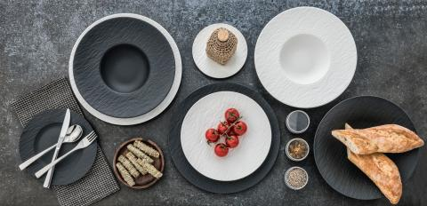 Greater versatility in an authentic shale look – The successful collection The Rock is being expanded with cups and square plates