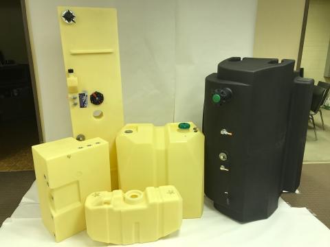 01_2017071901_ボート用プラスチック製燃料タンク