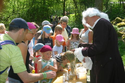 Linné bjuder på fika vid Ramshulan