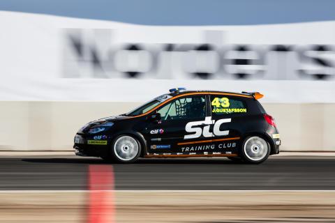 Tuff kamp om Clio Cup-bronset i STCC-finalen på Mantorp Park
