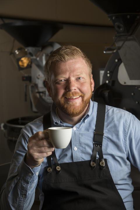 Brennemester Steinar Svenning hos Sørlandet Kaffebrenneri/Cemo