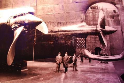 Das 360°-Panorama wird durch eine begleitende Ausstellung ergänzt