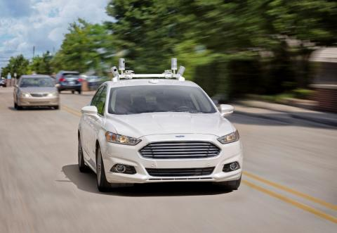 I løbet af fem år vil Ford lancere selvkørende biler uden hverken rat, bremse- eller gaspedal!