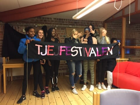 Separatistisk tjejfestival på Hamnmagasinet