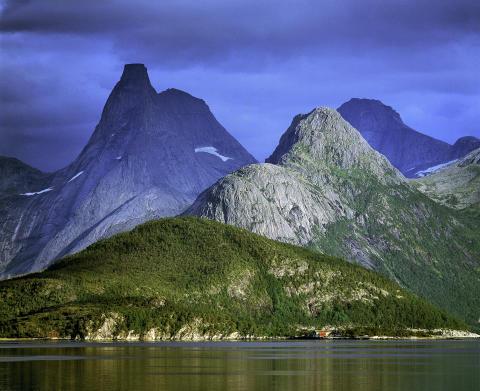 """Topplista: Claes Grundstens bästa fotoplatser i Nordland – """"Det är världens mest fotogeniska landskap"""""""