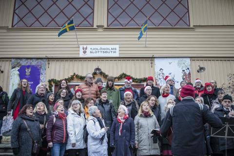 Musik och glädje på julmarknaden