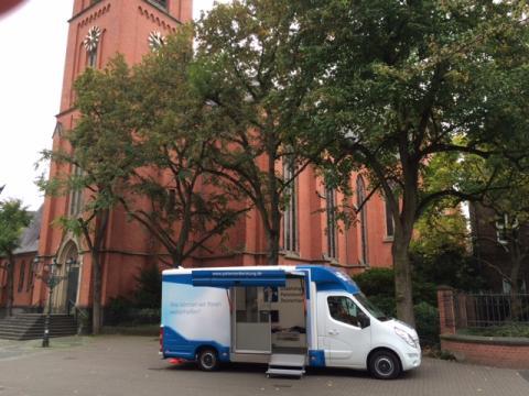 Beratungsmobil der Unabhängigen Patientenberatung kommt am 22. August nach Düsseldorf.