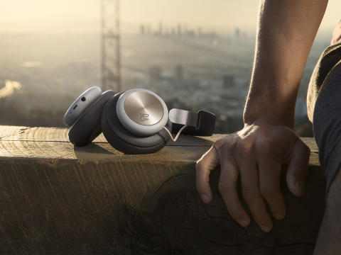B&O PLAY presenterar den nya trådlösa hörluren Beoplay H4: återupptäck kärleken till musiken