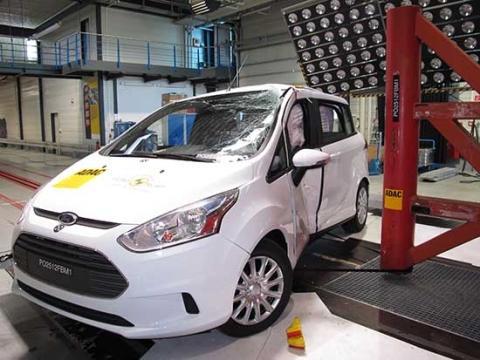 Täysin uusi Ford B-MAX sai korkeimman mahdollisen viiden tähden Euro NCAP -turvallisuusluokituksen