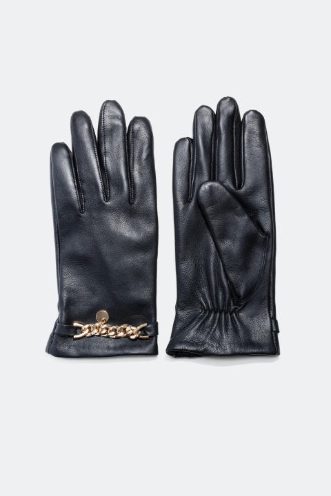 Leather gloves with chunky chain